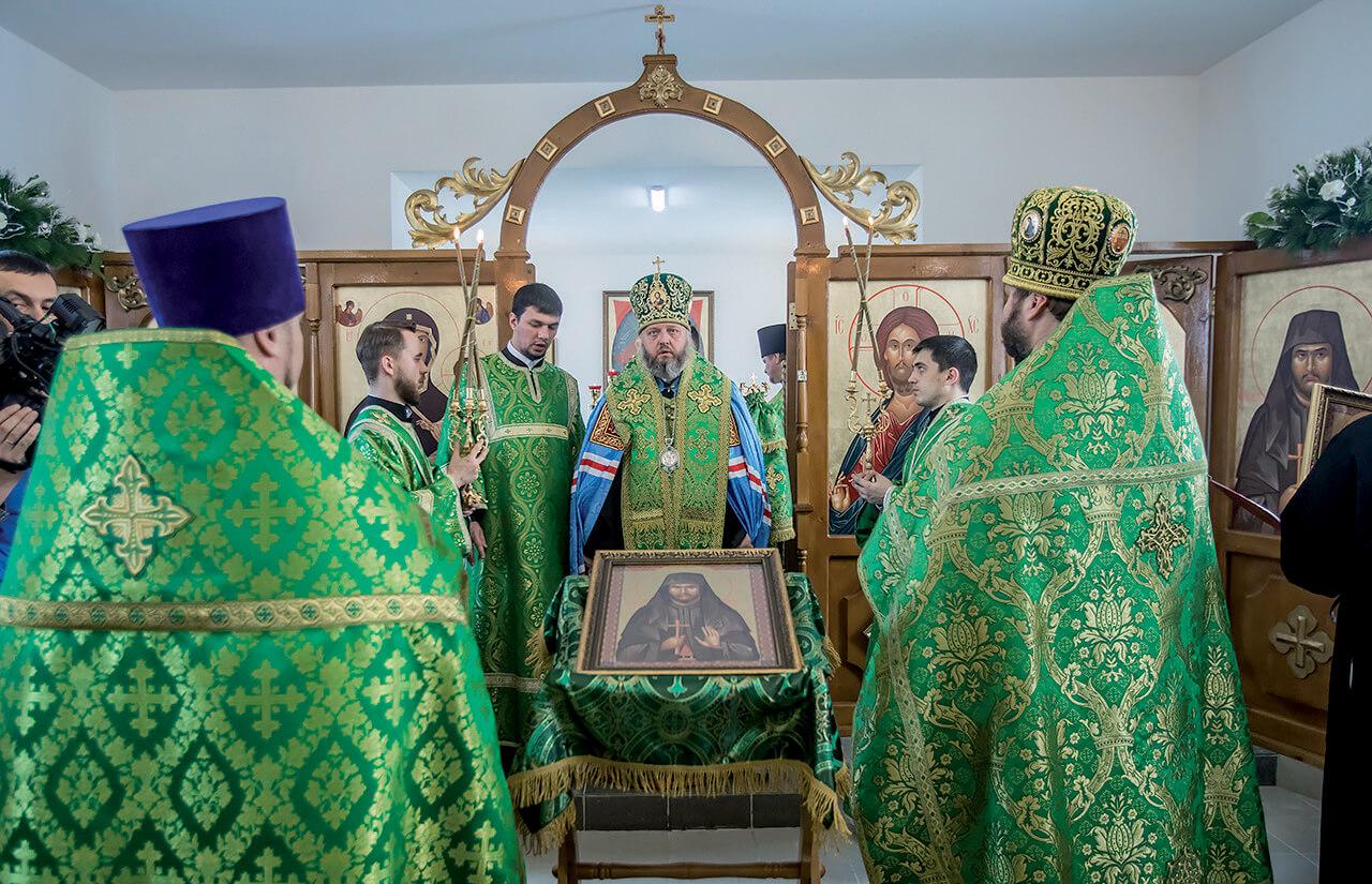 Ἀρχιερατική Θ. Λειτουργία στόν Ἱ.Ν. Ἁγίου Νικηφόρου στό Κεμέροβο Ρωσσίας.